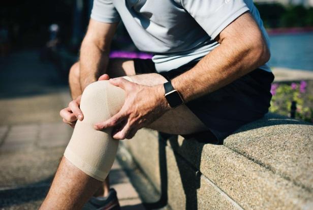 entorsa simptomelor articulației genunchiului și tratament dureri articulare de zahăr