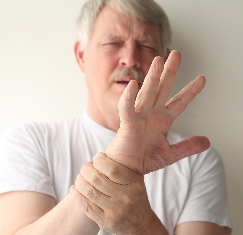 Artrita degetului mijlociu pe braț. Conuri pe mâinile artritei