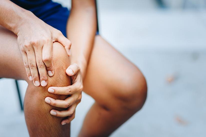 De ce articulațiile genunchiului încep să doară