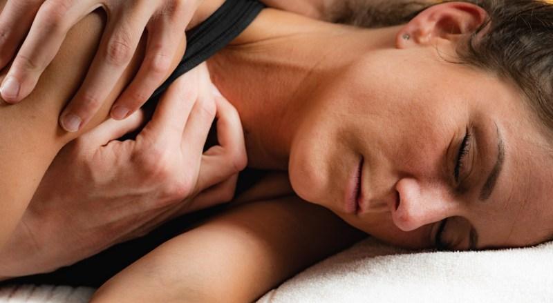 masajul articular va ameliora durerea Tratamentul cu poltava al artrozei