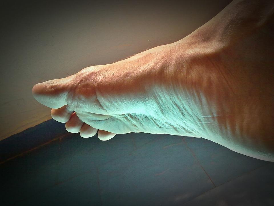 Articulațiile și mușchii corpului doare, Inflamație articulară pe picioare decât pentru a trata