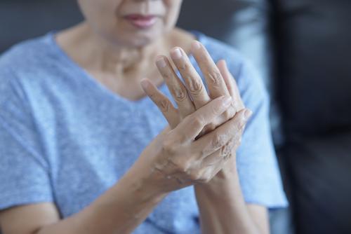 simptomele artrozei articulare stimulent de regenerare a cartilajelor