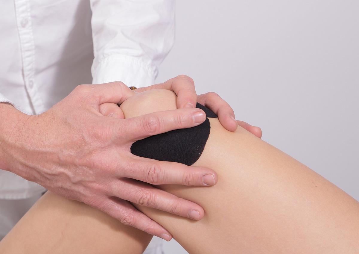Articulația doare la vreme umedă. Unguent pentru articulații în genunchi