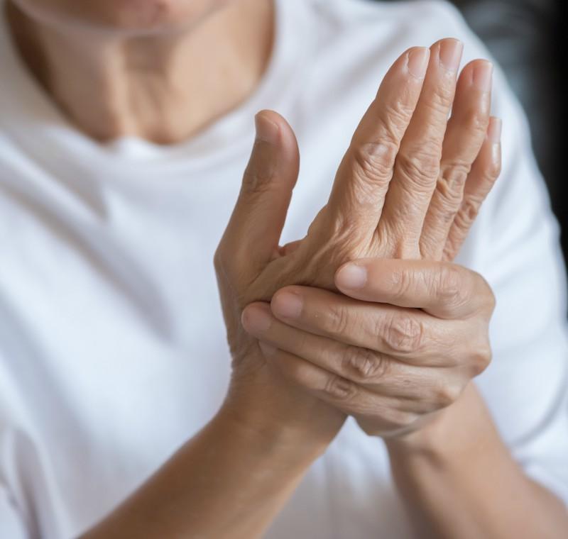 Boală articulară care afectează pielea membranei mucoase