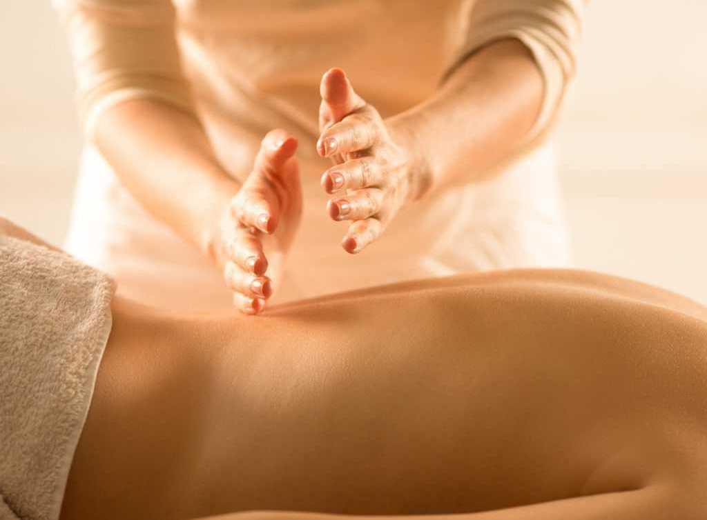 masajul articular va ameliora durerea condroitină glucosamină camforă