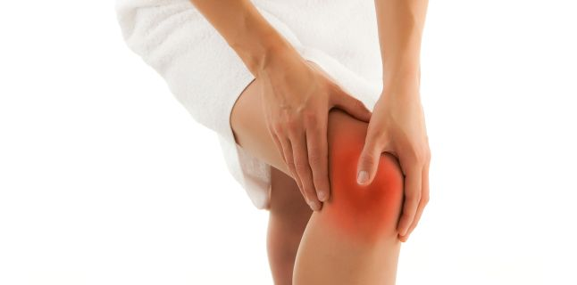 un punct în genunchi doare durere neașteptată în articulația umărului
