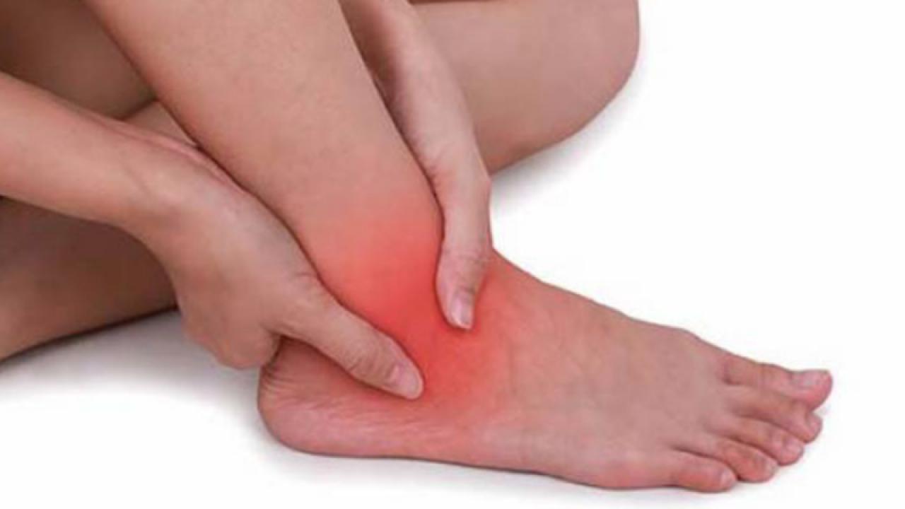 Umflarea piciorului și a gleznei după înlocuirea genunchiului