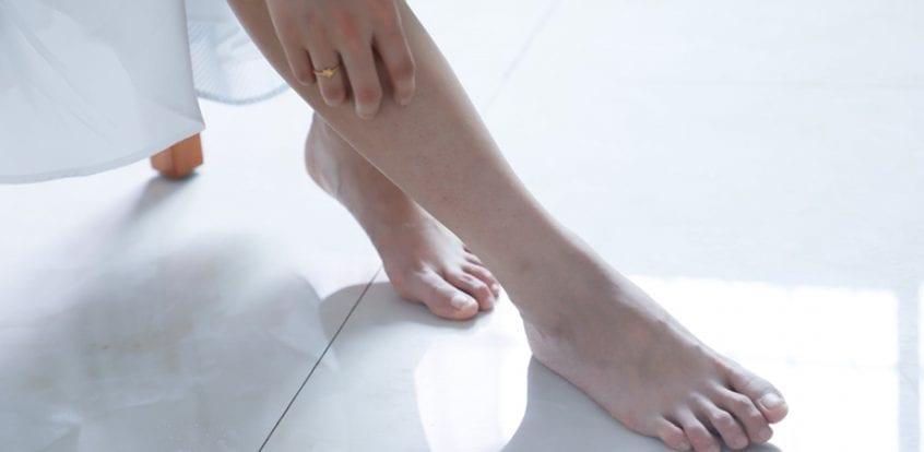 umflarea picioarelor gleznelor piciorului