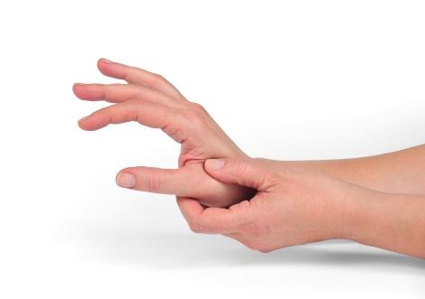 Durere, amorțeală și furnicături ale degetelor